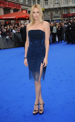 charlize-theron-Prometheus-london-premiere.jpg